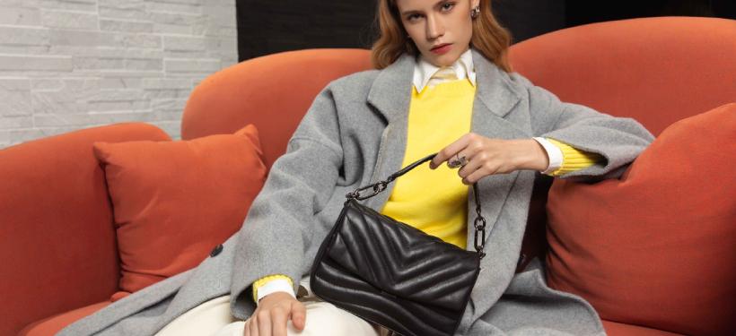 Pochette sac cuir matelassé noir