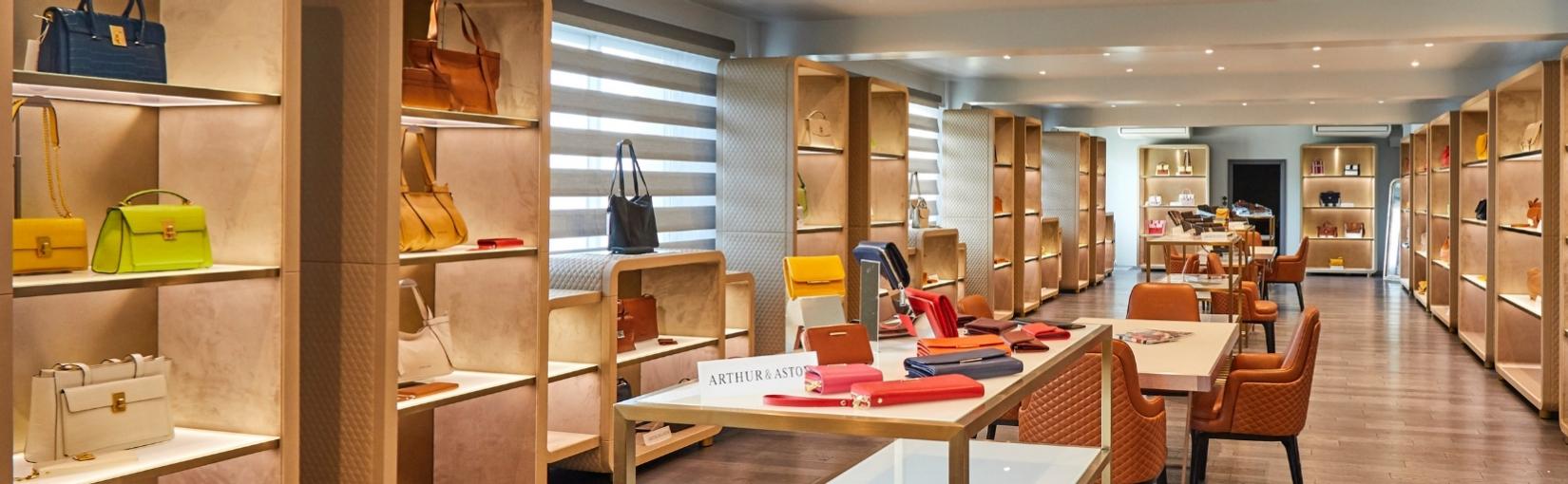 Boutique Athur Aston-Notre univers